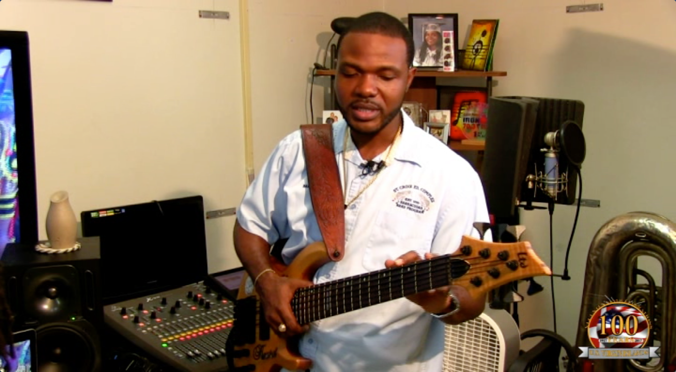 Kevre Hendricks on base guitar